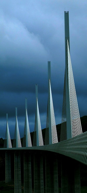 Another Pic of Sir NOrman Foster's Viaduct du Millau in France. Photo by sunny-drunk on Flickr