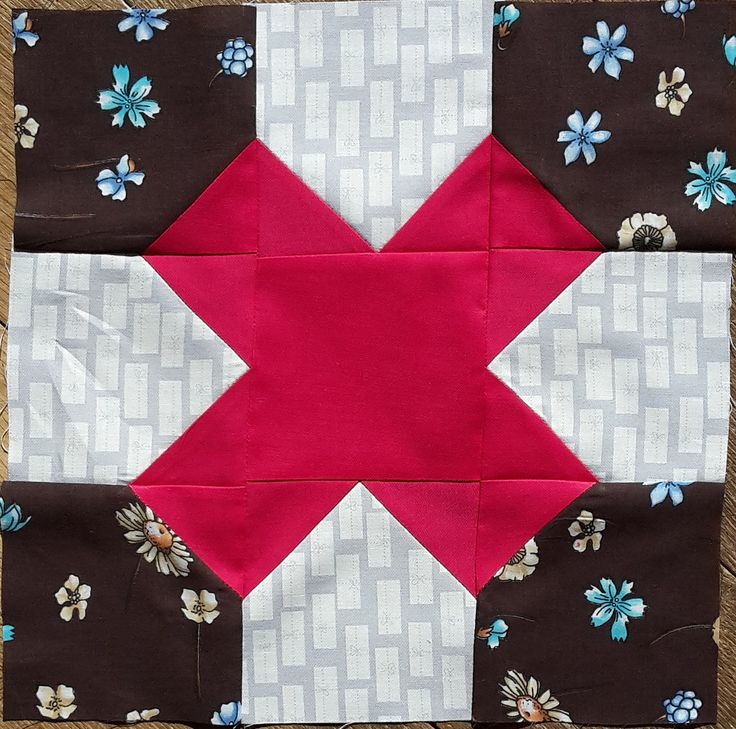 https://flic.kr/p/Gxsj5V | 16 beehive April | block for Betti. The brown fabric was a hard one to find in my stash :-(