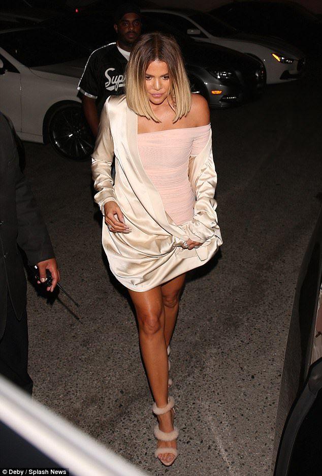 Khloe Kardashian ran into Blac Chyna and it didn't end up good | Buy ➜ http://j.mp/2vIgFxI
