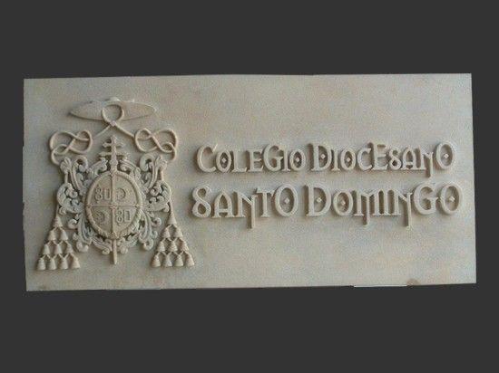 Placa para colegios tallada con su emblema y letrero en - Placas de piedra artificial ...