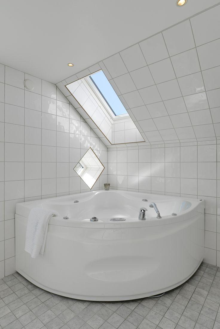 se stjärnorna medan du njuter av ett härligt bad i bubbelbadkaret