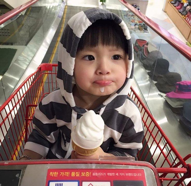 Esse sorvete ta tão gostoso minha gente....