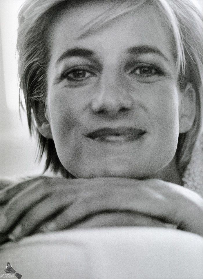 Принцесса Диана (Princess Diana) в фотосессии Марио Тестино (Mario Testino) в Кенгсингтонском дворце, фото 5