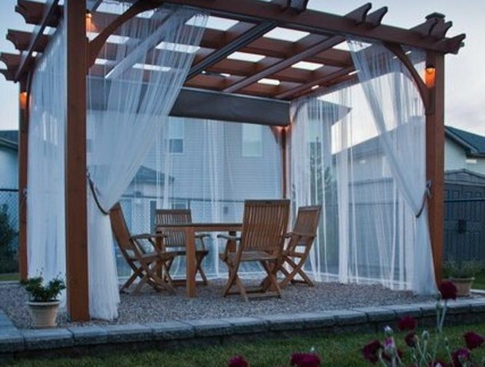 comment construire une pergola guide pratique et mod les diy pergola blanche pergola bois. Black Bedroom Furniture Sets. Home Design Ideas