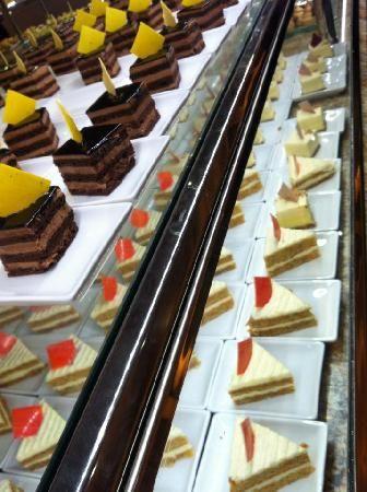 I can't resist the desserts! The Buffet at Bellagio Las Vegas, Las Vegas - Restaurant Reviews - TripAdvisor #MyTripAdvice