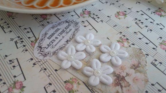 Aplique Florzinhas Para Customizacao Cartela Com 4 Flores Branca