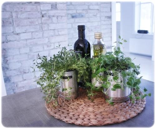 Kökspiff på köksön med olja, kryddor mm