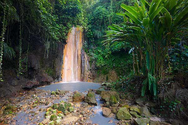La chute Diamond, Ste-Lucie (Antilles).