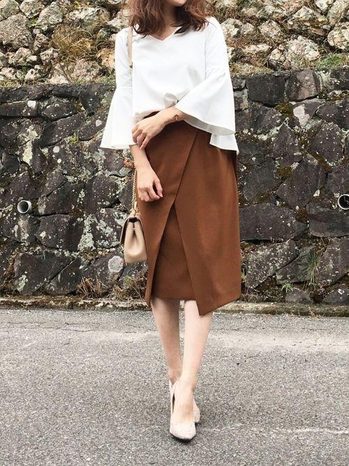 TONALのシャツ・ブラウス「【CLASSY.コラボ】ベルスリーブブラウスxスリットタイトスカートSET」を使ったmoyooonnのコーディネートです。WEARはモデル・俳優・ショップスタッフなどの着こなしをチェックできるファッションコーディネートサイトです。