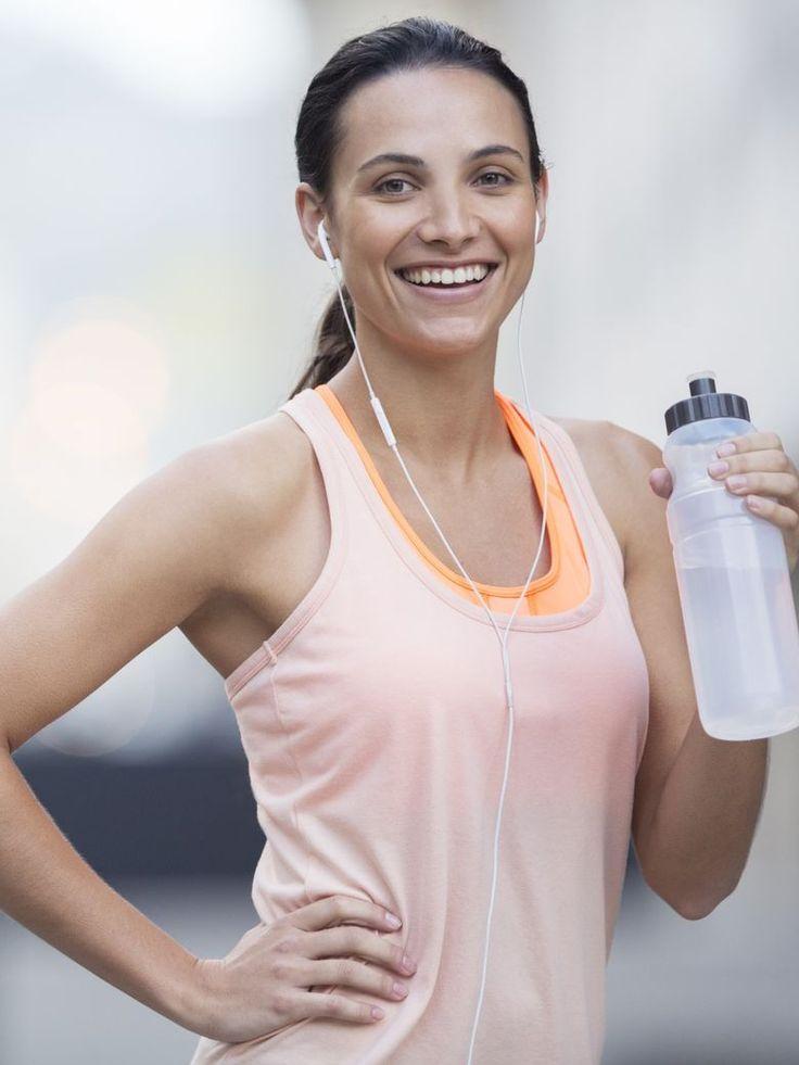 Le fitness ne vise pas uniquement à remodeler la silhouette. Cette activité permet également d'entretenir son corps et de garder la forme. Zoom sur les exercices de musculation qu'il faut pratiquer pour rester ferme et tonique toute l'année....