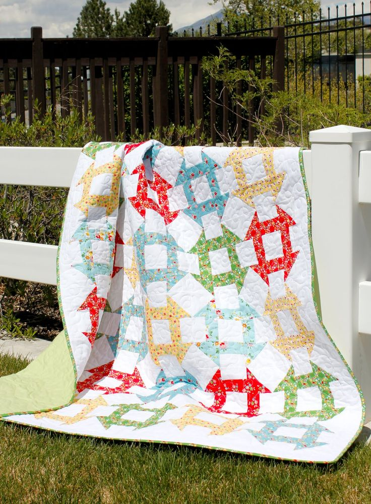 Churn Dash quilt made by A Bright Corner - link to free pattern!