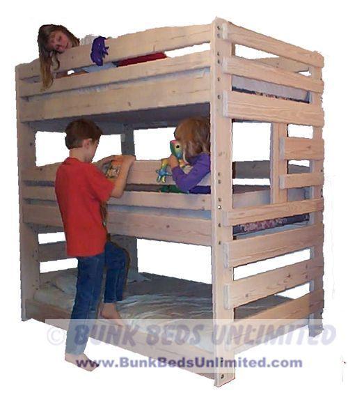 (http://www.bunkbedsunlimited.com/triple-bunk-bed-plans-1/)
