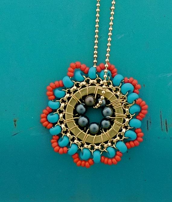Beautiful bold necklace