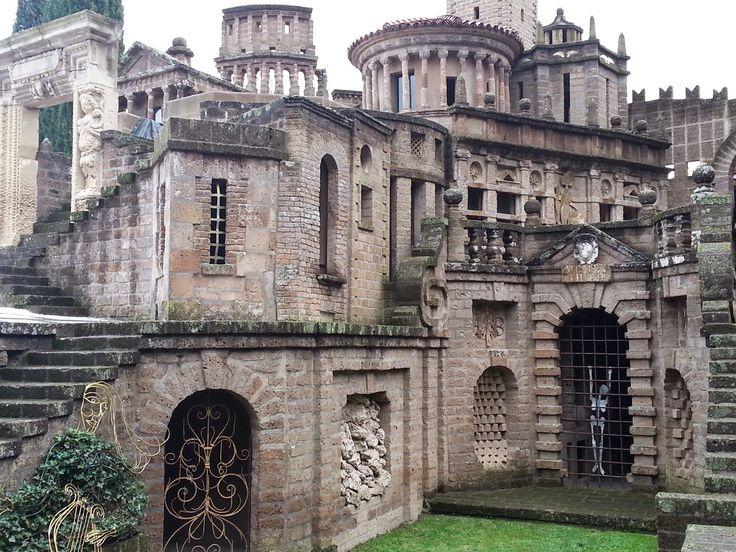 Magical 'Ideal City,' LA SCARZUOLA. Come see it with us! www.tlc-travels.com  CERTA ITALIA NASCOSTA. MA NASCOSTA BENE.