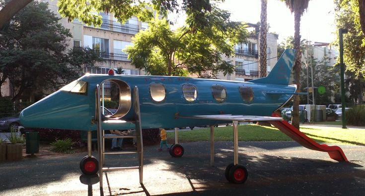Playground_airplane.jpg (2576×1385)