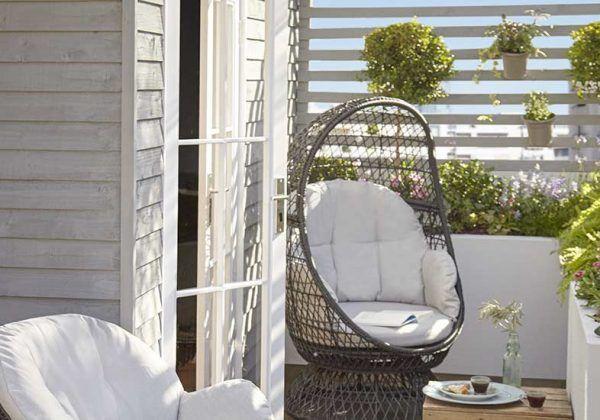 Tuto Realisez Un Claustra Design En Bois Dans Votre Jardin Cloison Bois Claustra Et Meuble Jardin Palette
