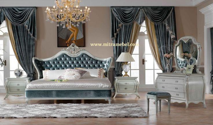 Set Kamar Tidur Klasik Elegant merupakan set kamar tidur mewah yang kami tawarkan kepada anda yang mencari produk furniture berkualitas untuk set kamar tidur dengan bahan dan kualitas bagus dan harga bersahabat.