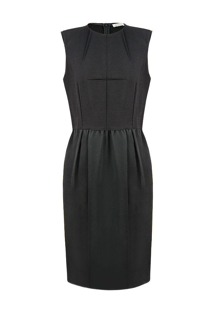 Черное платье Nina Ricci