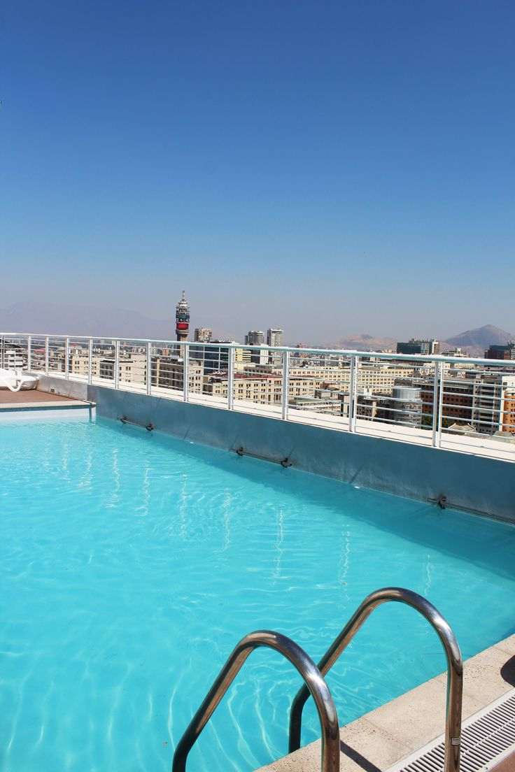 The swimmingpool on the roof. swimming and enjoying the sun with a nice view on the roof of the building of the apartment we rent in Santiago de Chile www.internshipandtravel.cl o mail a info@internshipandtravel.cl
