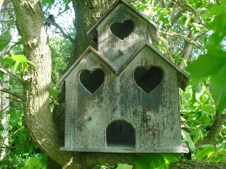 les 25 meilleures id es de la cat gorie cabane oiseaux sur pinterest fabriquer mangeoire. Black Bedroom Furniture Sets. Home Design Ideas