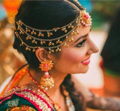 Maatha Patti - One Sided Maatha Patti with Hanging Leaves | WedMeGood | Gold and Pink Gotta Earrings and Maang Tikka, Silver Maatha Patti with Hanging Leaves #wedmegood #indianwedding #indianbride #maathapatti #gotta #jewelry #maangtikka