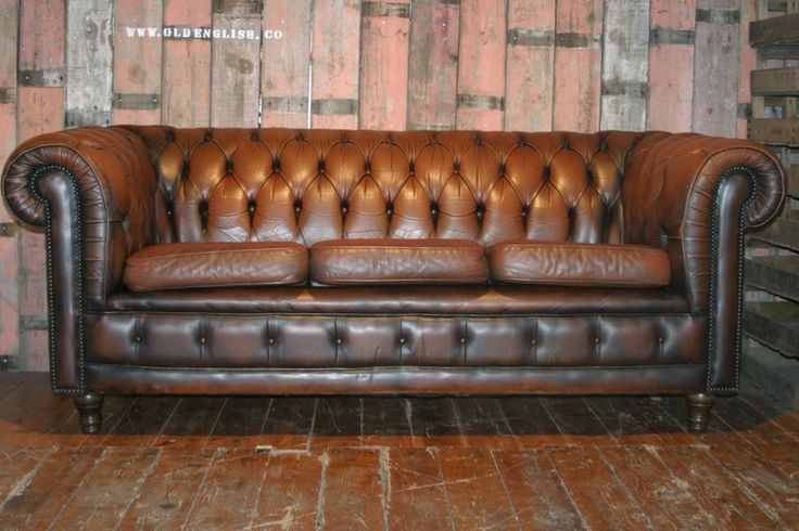 The Churchil Chesterfield Sofa - Old English, Bawtry, South Yorkshire UK - +44 (0)1302 714414