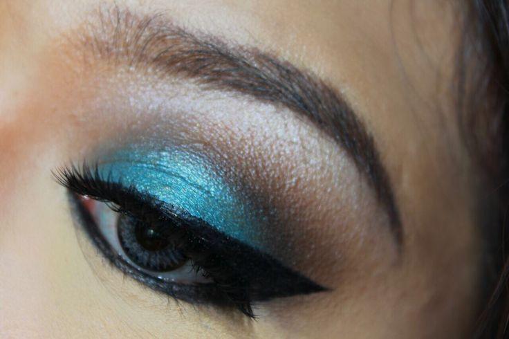 #mua #makeupartist #makeupartistmedan #makeupmedan #muaindo #makeupwisuda #makeuppesta #makeupnikah #makeupwedding #makeupprom #makeuptunangan #makeupresepsi #exploremedan #makeupbridal #smokyeyes #arabianmakeup #arabic