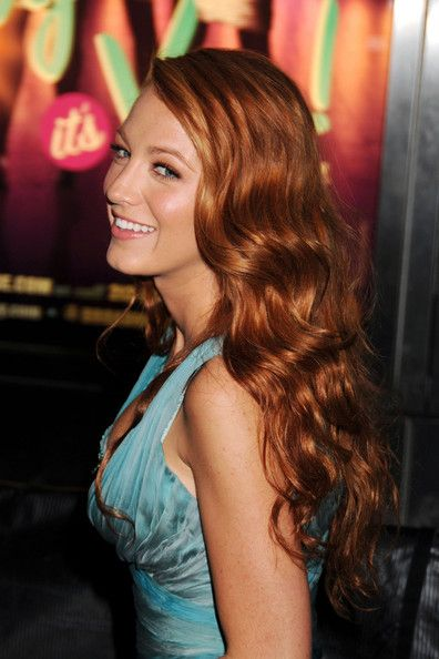 Blake Lively Photo - Red Carpet of the Time 100 Gala Lovely Lively Locks!
