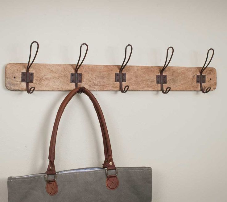 Welcome Your Guests With An Impeccably Organized Entryway: 17+ Best Ideas About Entryway Coat Hooks On Pinterest