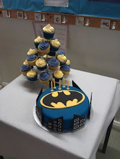 Jacob's 5th Birthday Batman cakes - These could be my 21st birthday cakes!