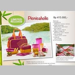 Picnicaholic - Tupperware Bogor | Katalog Tupperware Maret 2013 Nama Produk: Tupperware Picnicaholic Harga: Rp. 415,000,- Ukuran: a. Rice Bowl (2): @Felipe Muñoz/ ø: 11,5 cm; t: 6,5 cm b. Small Carry All Set: 900ml/ 16,4 x 16,4 x 6 cm Deskripsi: Picnicaholic (Khusus Area Jawa, Bali, Sulawesi dan Indonesia Timur)