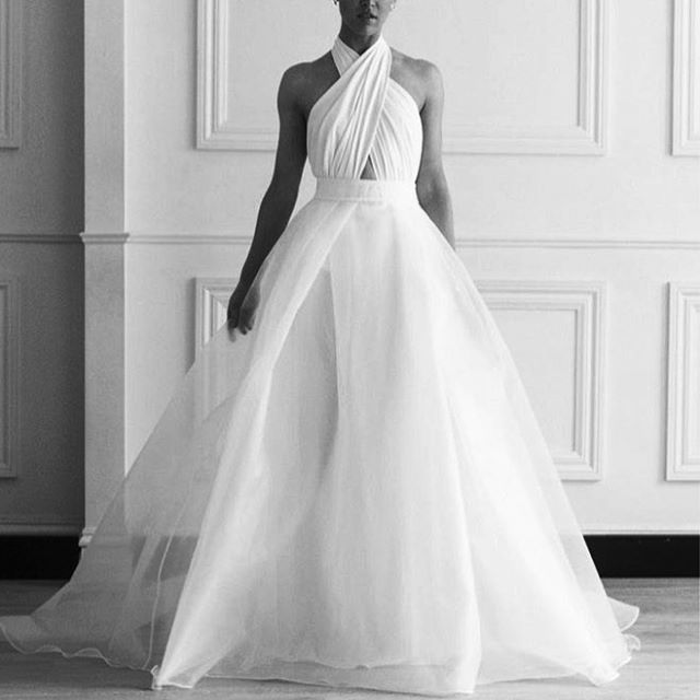 C H O S E N | This dress and the full MUSE COLLECTION in store  THIS WEEKEND ONLY bookings limited email sarah@spherecollective.com.au to secure your spot ✨@chosenbyoneday TRUNK SHOW coming | NEXT WK END ONLY | 24th-26th Feb . #qld #weddingparty #brisbane #goldCoast #sunshinecoast #weddingdress #noosa #bride #modern #fashion #trunkshow #wedding #bridal #modernbride #bridalboutique #beauty #gown #gowns  #dress #style #styling  #Regram via @sphere_collective
