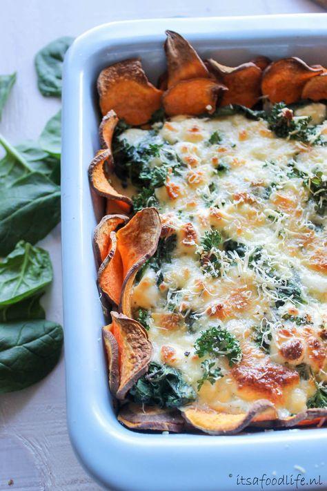 Zoete aardappel quiche met spinazie en geitenkaas stukje rode peper voor de pit. | It's a Food Life