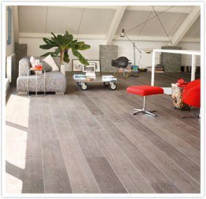 Le gris est une tendance indéracinable. Ce sont surtout les nuances chaudes de gris avec une pointe de brun (les grèges) qui ont la cote dans laménagement intérieur.