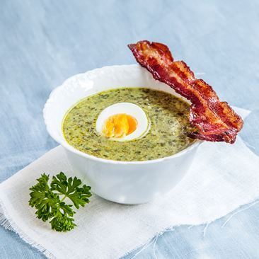 Vegetariskt: Spenatsoppa med kokt ägg