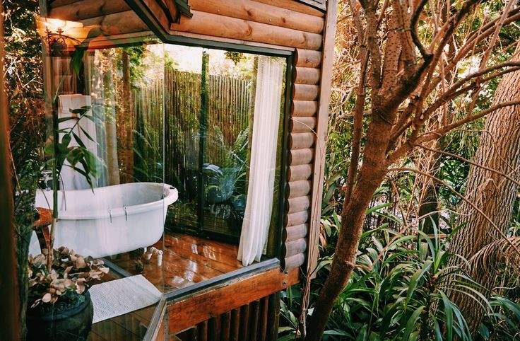 Blogged about the cutest romantic getaway. A little house in the treetops!  #travel #southafrica #greyton #Treehouse