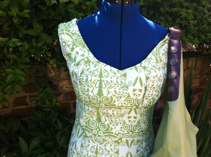 The V8555 in another green Amy Butler fabric...