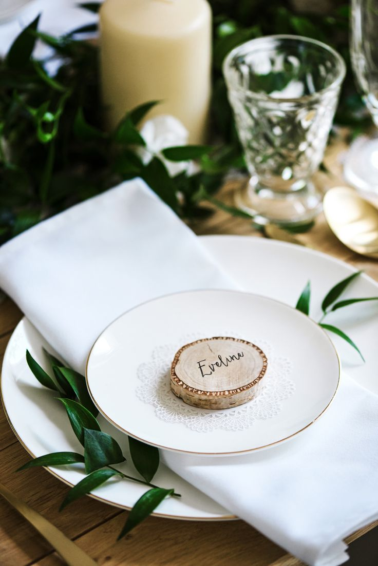 Wooden place cards #placecards #rustic #wedding #bohowedding #weddingday #rusticcollection