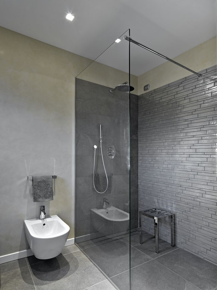Jak správně řešit sprchový kout bez sprchové vanič | Favi.cz