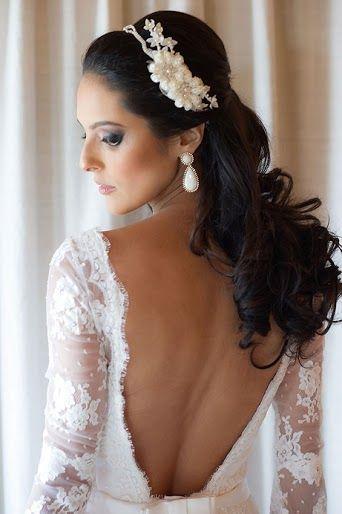 Vestido de Glorinha Pires Rebelo escolhido por Tainá. O casamento de Tainá e Pedro foi publicado no Euamocasamento.com, e as fotos são de Marina Fava Fotografia. #euamocasamento #NoivasRio #Casabemcomvocê