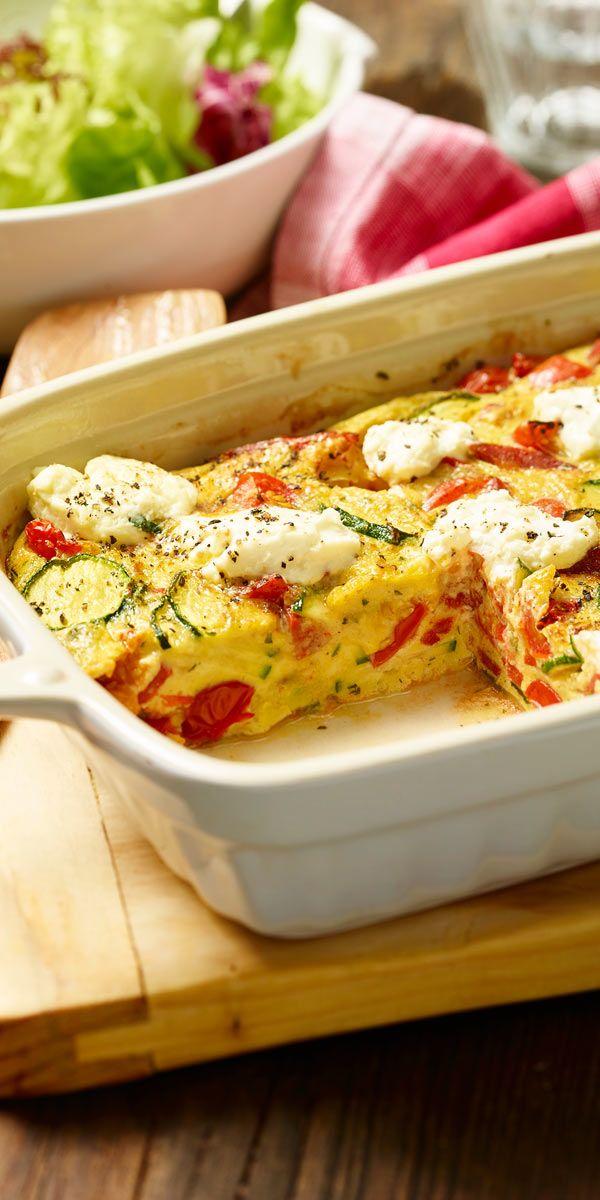 Unser Rezept entführt dich in deiner Mittagspause in ein Land, das für seine Küche weltweit berühmt ist: Italien! Heute zeigen wir dir, wie du diese bunte Frittata - einen echten italienischen Klassiker ganz einfach selbst zubereiten kannst.