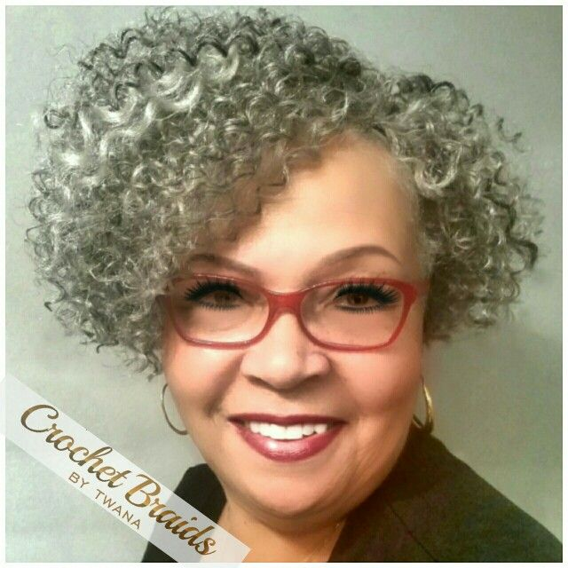 Crochet Braids with Freetress Water Wave in color Grey mixed with low lights in…