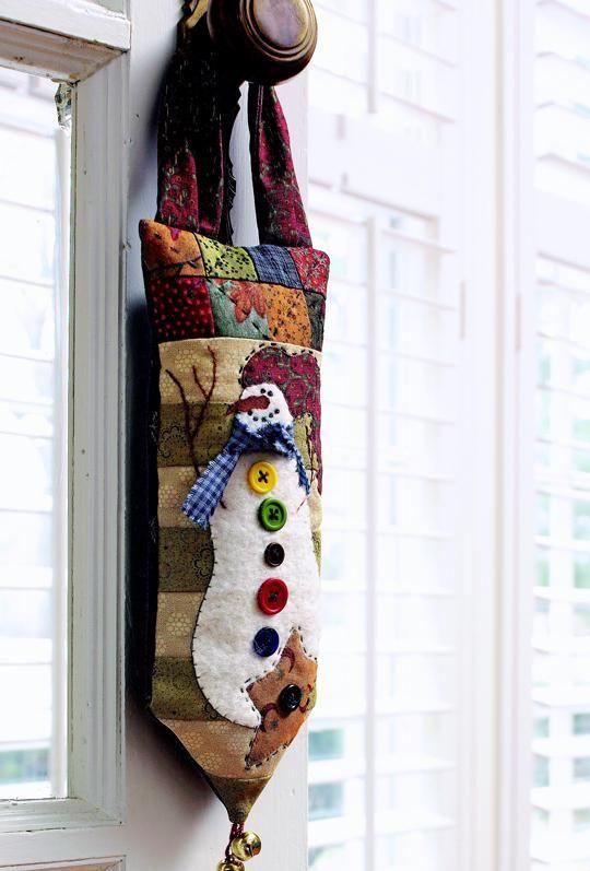 Snowman Door Hanger | AllPeopleQuilt.com | Free pattern & instructions