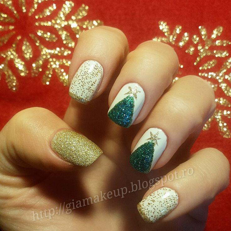 Dupa aproape doi ani(cred) de cand v-am aratat manichiuri pentru unghii lungi si ovale/migdala, in aceasta postare veti vedea manichiuri pe...