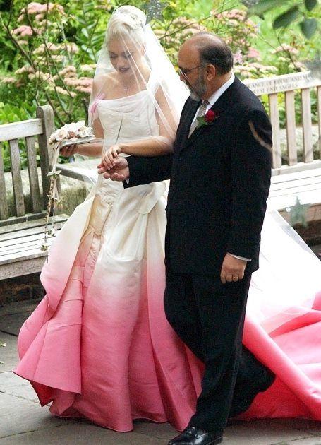 14 septembre 2002, Londres, Gwen Stefani épouse Gavin Rossdale dans une  création John Galliano