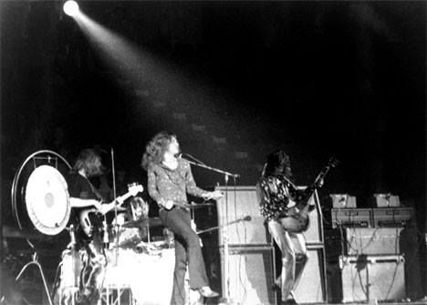 Led Zeppelin appeared in front of over 15,000 fans at The Spectrum, Philadelphia, Pennsylvania.