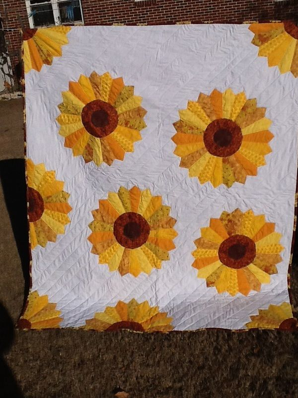 """""""A lap quilt for a great friend, my take on a Dresden """""""