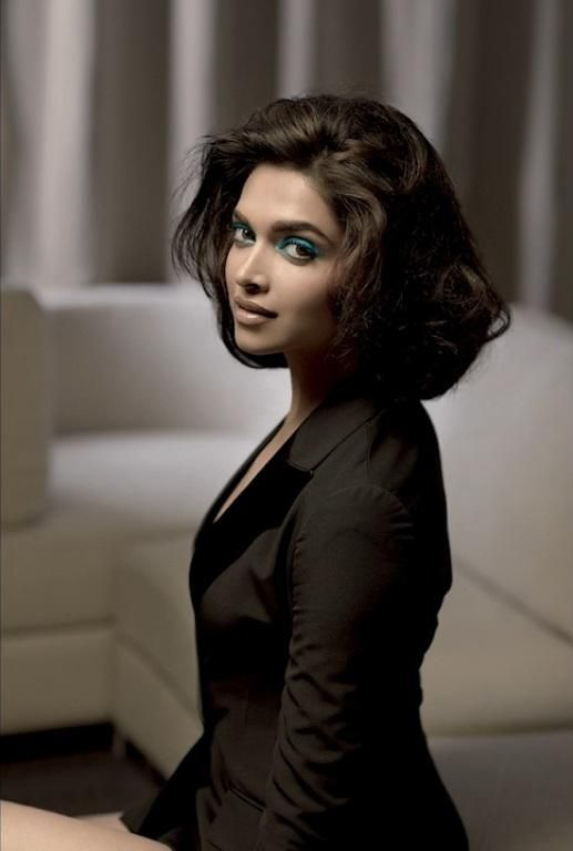 Deepika Padukone's Photoshoot for L'Officiel India (March 2013)