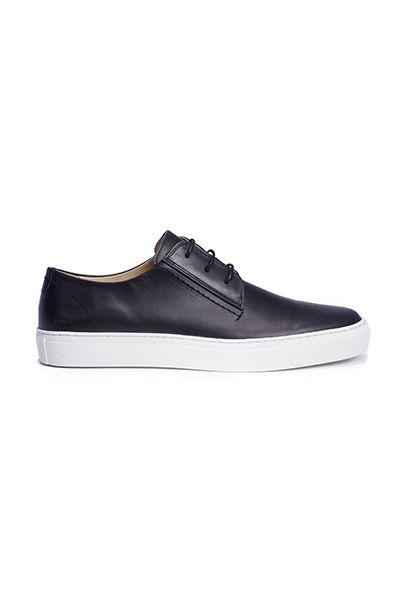Makia Corner shoe.