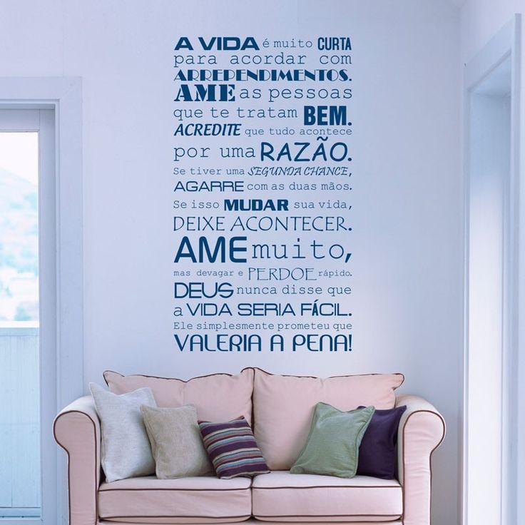 Adesivo de Parede A Vida Vale a Pena Reinvente sua casa com este adesivo decorativo, decore salas, quartos, banheiros, corredores e onde mais você imaginar.